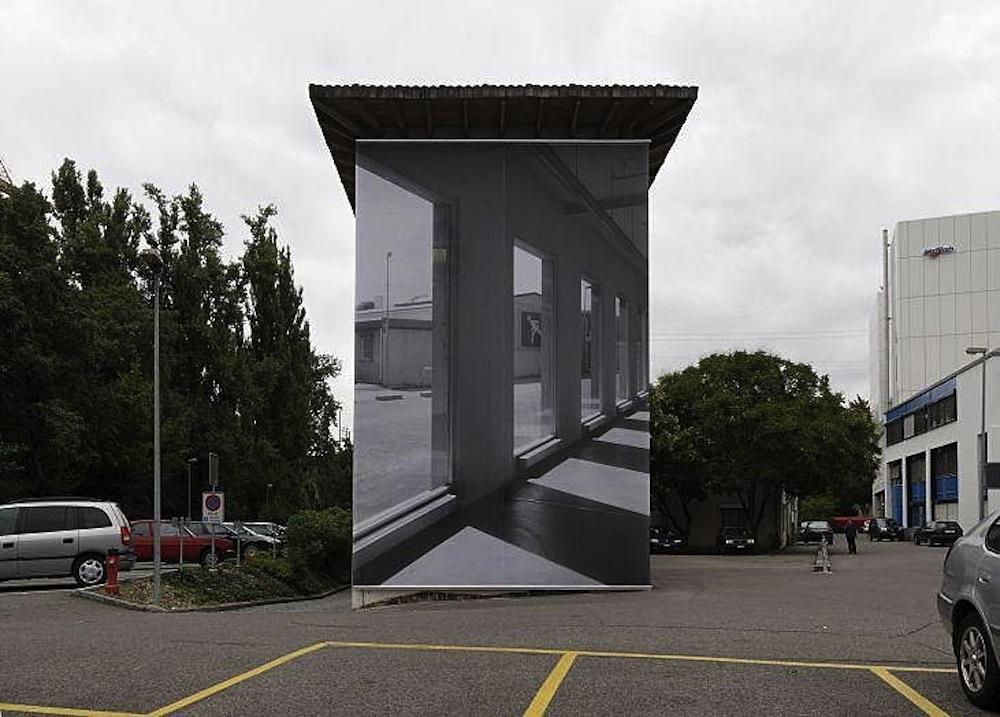 Renate Buser, Fassade Kunsthaus Baselland, 2007